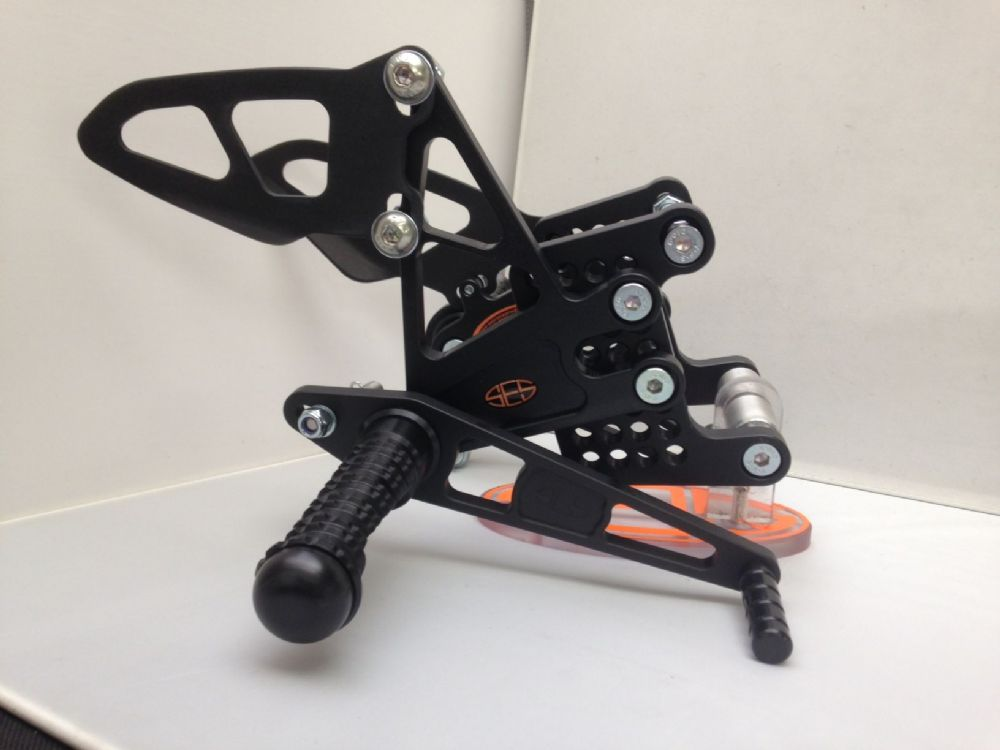 Adjustable Rearsets - Kawasaki ZX6R (13-16).  RSK015.